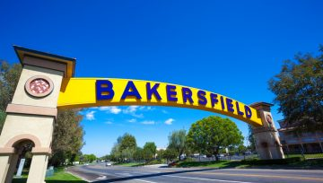 Moving To Guides: Bakersfield, CA